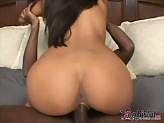 Phillipina Nyomi Marcela gets hardcore with ebony guy